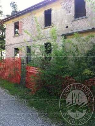 Sasso Marconi (BO) via Porrettana, 192 – località Pontecchio - fabbricato in corso di ristrutturazione
