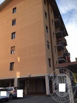 Appartamento con cantina  e box auto nel Comune di Aosta (Lotto I)