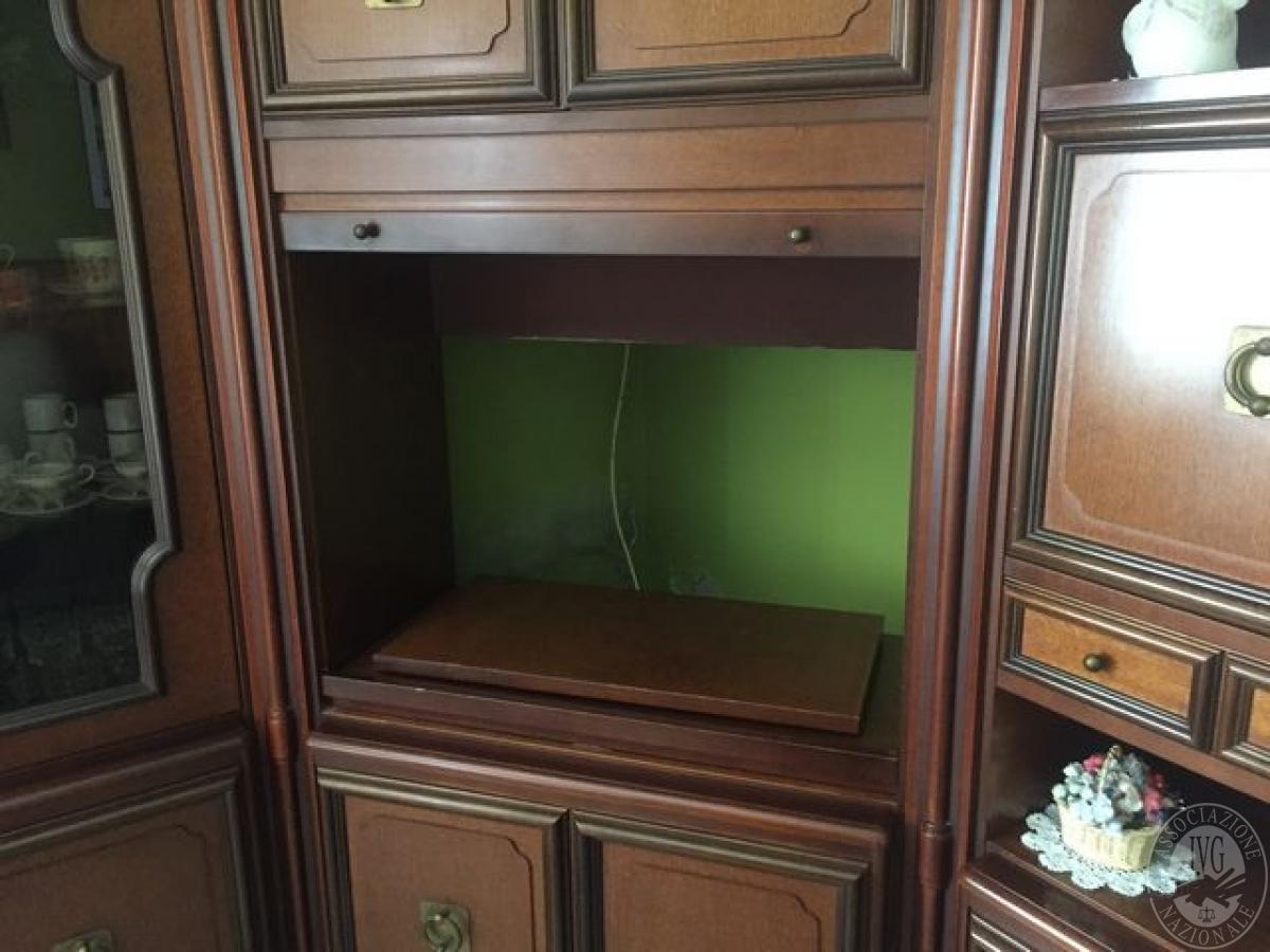 Porta televisore ad angolo mobile porta tv ad angolo with for Asselle soggiorni