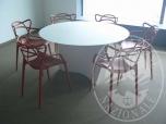 Immagine di Un tavolo e sei sedie Kartell (lotto 15)