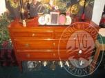 Immagine di Lotto 10: Cassettiera in legno tipo mogano con 4 cassetti