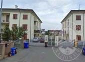 Piena proprieta' appartamento con due posti auto scoperti in Busseto
