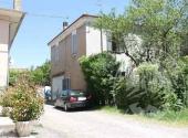 Piena proprieta' di fabbricato ad uso abitazione con pertinenze in Montechiarugolo fraz. Basilicagoiano