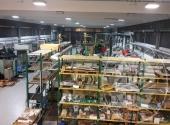 (Lotto n.1) - Vendita in blocco di macchinari, attrezzature ed accessori di officina di tornitura e fresatura, carrelli elevatori, unitamente ad arredi e macchine da ufficio
