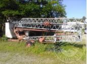 Immagine di LOTTO 4: Gru Dalme mt 12, 1 benna per calcestruzzo, 1 porta macerie, 2 cestelli in ferro porta materiale, cavi per gru, forca per gru