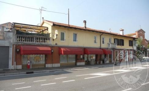 Immagine di Unita' immobiliari al piano terra adibite a ristorazione.